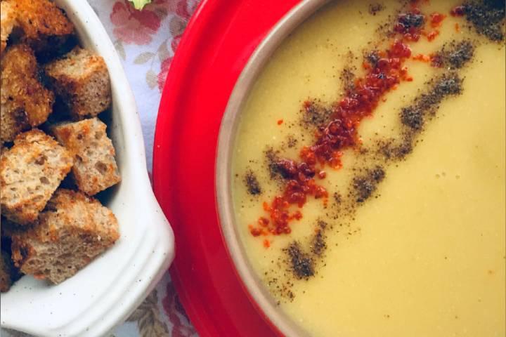 Kereviz Saplı Mercimek Çorbası Tarifi