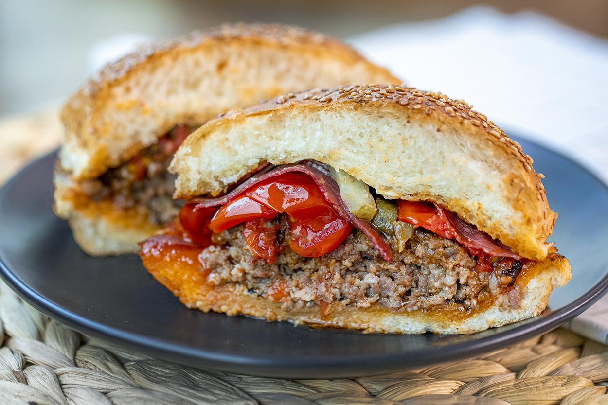 Ekspres Kuru Etli Acılı Burger Tarifi