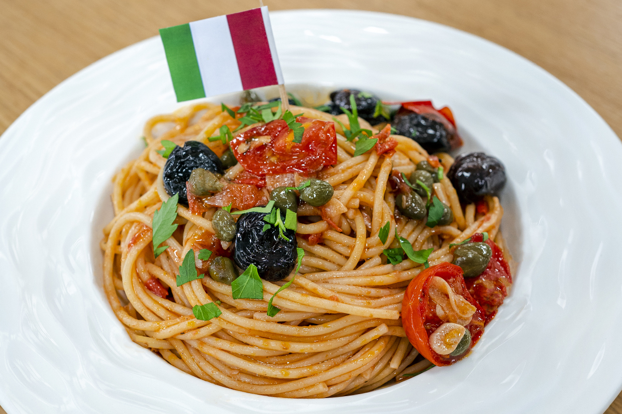 Spaghetti Puttanesca Tarifi