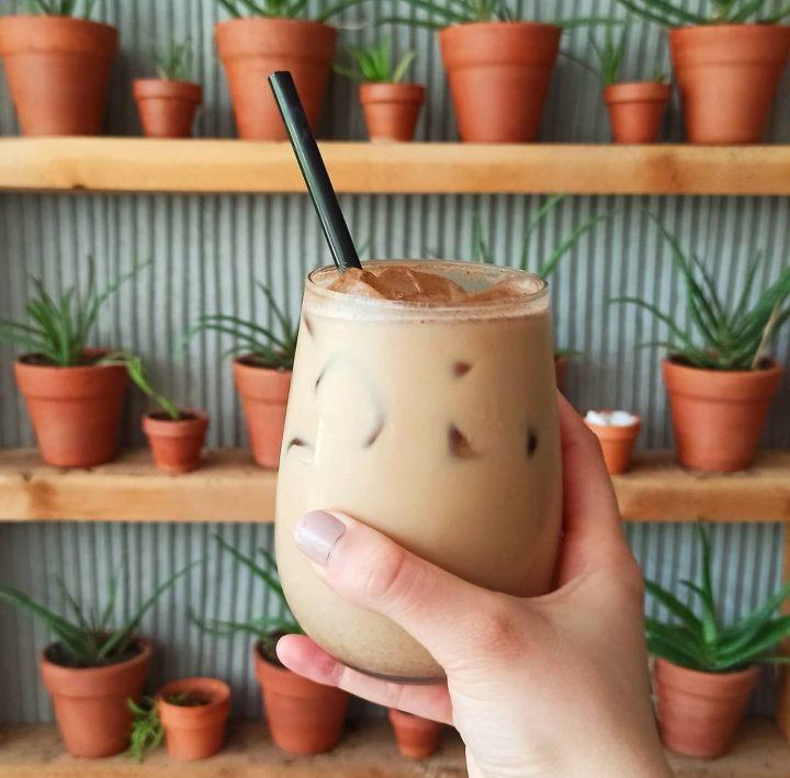 https://www.instagram.com/coffeeecactus/   instagram