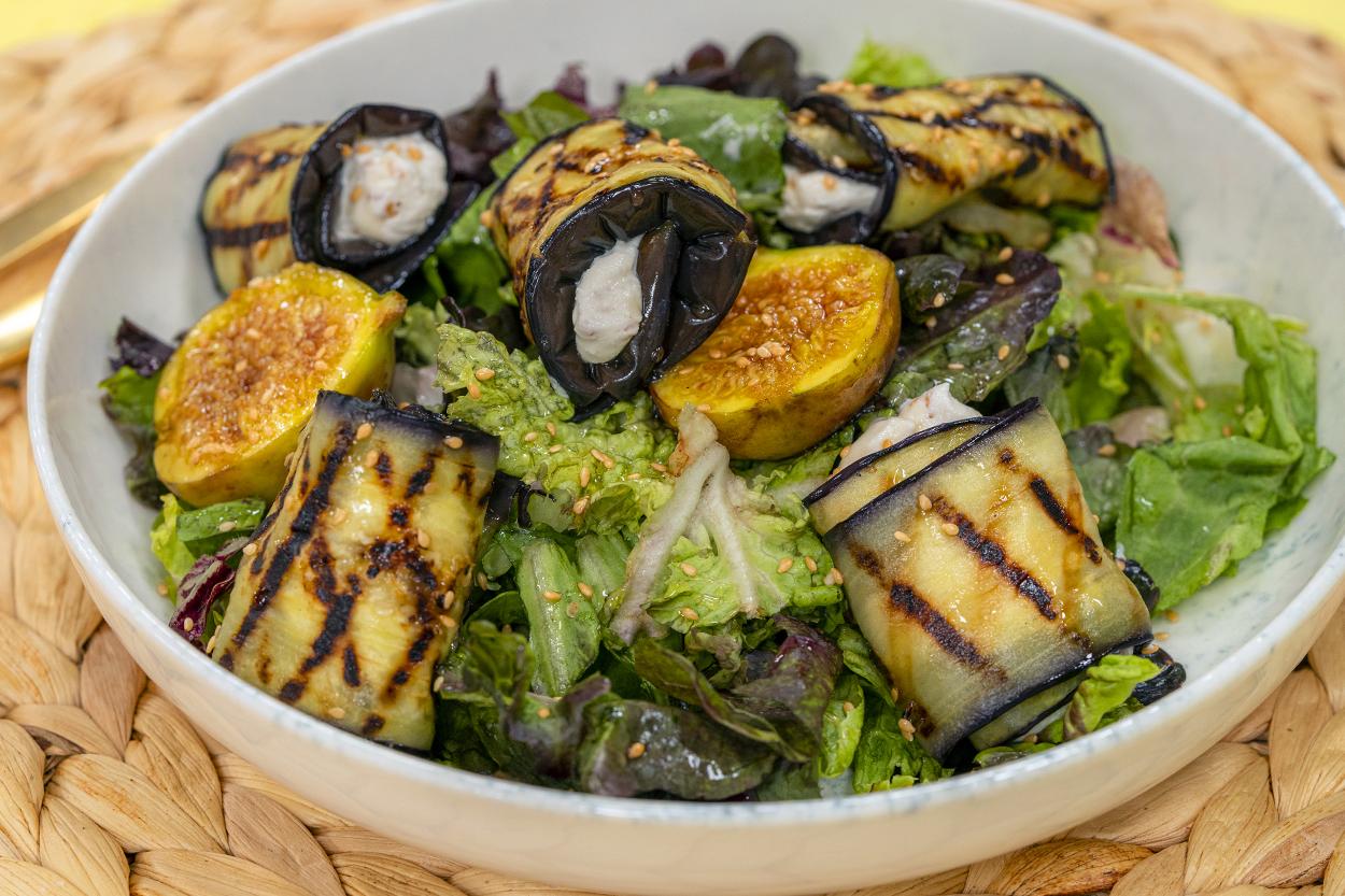 Patlıcan Sarma ve İncirli Salata Tarifi